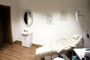 TREATMENT ROOM = TEETH WHITENING + BOTOX